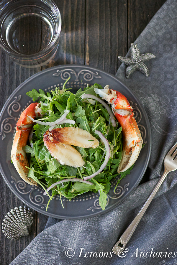 Crab & Arugula Salad with Avocado-Lime Dressing | http://lemonsandanchovies.com