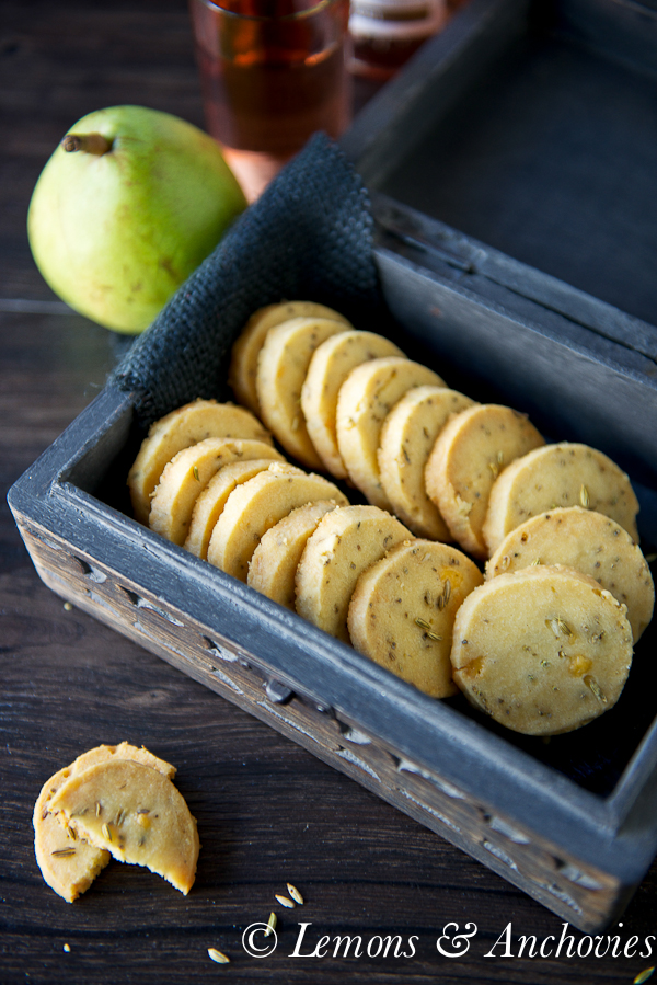 Cheddar and Fennel Seed Crackers  @lemonsanchovies