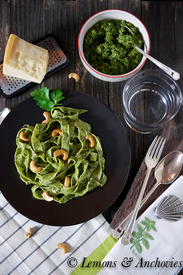 Spinach Pasta with Basil-Parsley-Cashew Pesto @lemonsanchovies